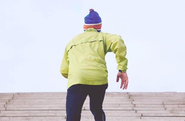 8a367fb2e3c51b 冬のランニングで帽子に欲しい機能は【保温性】と【通気性】ですが、その日の天候や気分でキャップ、ビーニー(ニット帽)、イヤーウォーマーを変えるのも楽しいもの  ...